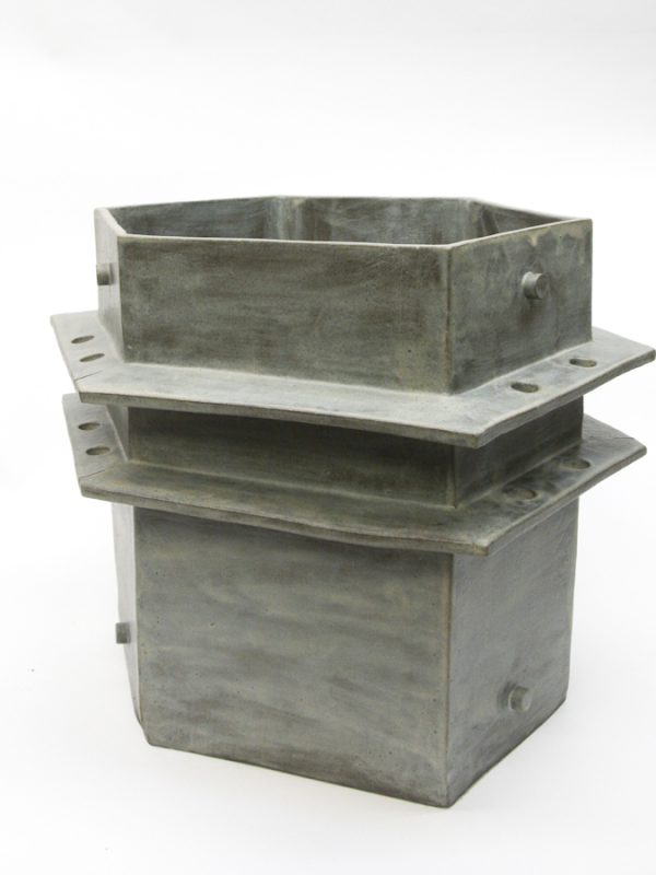 XXL Gray Wing Planter